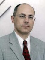 António Cebola. Autor dos livros Elaboração e Análise de Projectos de Investimento, Projectos de Investimento de PME, das Edições Sílabo.