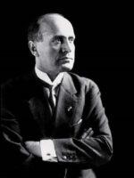 Benito Mussolini. Autor do livro Mussolini, das Edições Sílabo.
