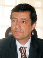 Carlos Zorrinho. Autor dos livros Sistemas de Informação Organizacionais, Urbanismo Organizacional, Gerir em Complexidade, das Edições Sílabo.