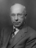 Chester I. Barnard. Autor do livro As Funções do Executivo, das Edições Sílabo.