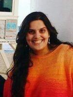 Letícia Ribeiro Schinestsck. Autora dos livros Redes Sociais, Redes Sociais. Como compreendê-las?, das Edições Sílabo.