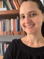 Marianna Zattar. Autora do livro Redes Sociais. Como compreendê-las? das Edições Sílabo.