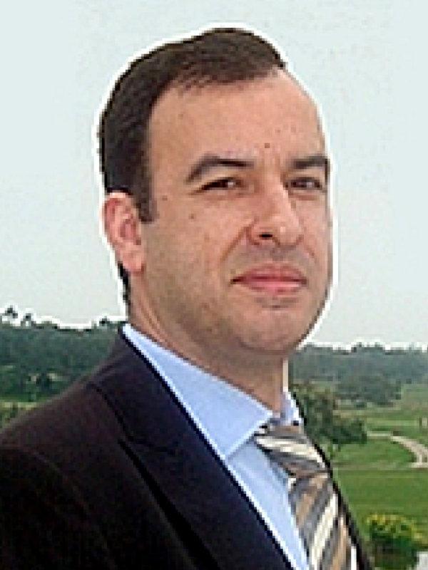 Nelson Russo, autor do livro Inovação e Sustentabilidade em Tecnologias de Informação e Comunicação, das Edições Sílabo