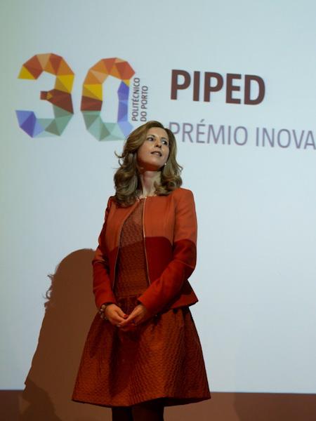 Paula Peres