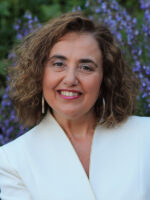 Pilar Marqués-Sánchez. Autora do livro Redes Sociais. Como compreendê-las? das Edições Sílabo.