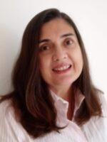 Valéria Macedo. Autora dos livros Redes Sociais. Como compreendê-las?, Redes Sociais, das Edições Sílabo.
